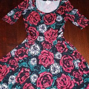 XS Lularoe Nicole dress